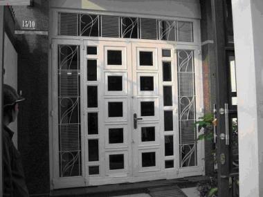 Mẫu cửa sắt chống sét rỉ?v=1565248715800